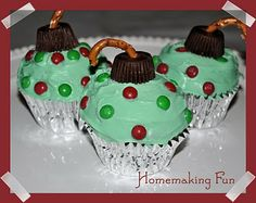 ornament cupcakes & many other cute Christmas food ideas!