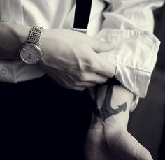I love the face of this watch and I already love this tattoo lol