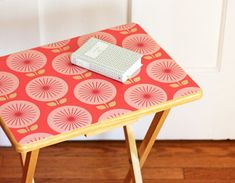Colorful Mini Table with removable wallpaper : cute TV dinner trays