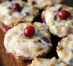 Flourless cranberry muffins to start your morning - Chatelaine