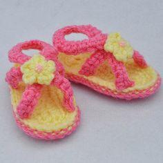 Crochet Pattern - cute baby sandals