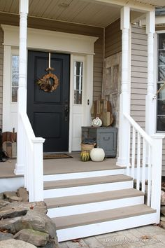 FrontEntranceMakeover thumb Front Porch Makeover on a Budget