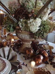 StoneGable: Thanksgiving Table ! Details, Place Settings, Centerpiece....Simple Elegance at it's Best !