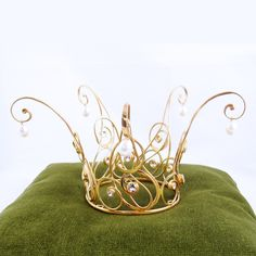 It's a fairy crown that no one in reality could have a place to wear--but it so cool!