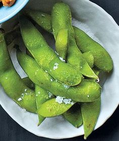 Instant Hors d'Oeuvres: Steamed Edamame Tossed With Coarse Salt
