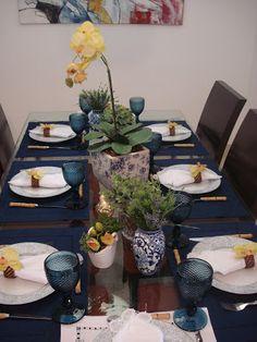 mesa posta com bicos de jaca. http://www.domi.com.br/taca-de-agua-bico-jaca-azul-jogo-6-pecas-19675.aspx/p