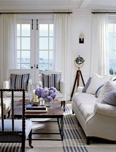 interior, hampton style, living rooms, rug, blue, beach houses, white, live room, nantucket style