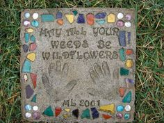 How to make a personalized garden stepping stone