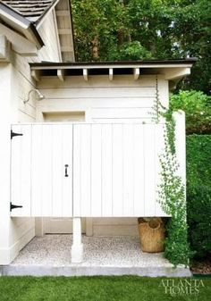 Great Outside Shower | Content in a Cottage