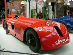 The Sunbeam 1000 HP was the first non-American car to run on Daytona Beach for a land speed record attempt. On 29 March 1927 Henry Segrave drove the car to a new land speed record of 203.79 mph, the first car to reach a speed over 200 mph.