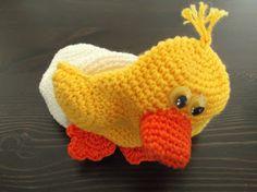 HaakYdee: Gehaakt kuiken in ei – omkeerpop / Crocheted chick in egg – upside down doll