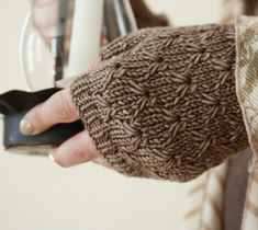 Antiquity Mitts. alicia plummer