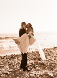 beach photos, wedding pics, beach wedding photography, renew vows, vow renewals, engagement pics, beach weddings, wedding day photos, wedding pictures