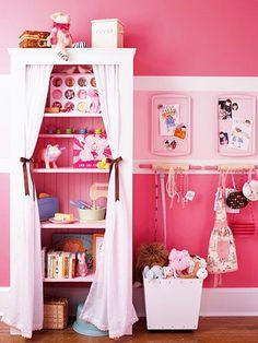 Curtain on shelf! Cute!