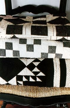 black and white quilts..