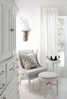 Seaside Cottage vignette in white
