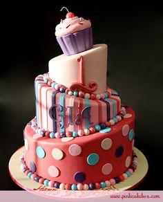 1st Birthday Cupcake Cake
