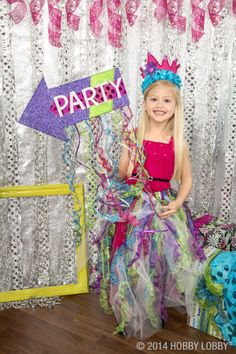 Throw a glittering party with our glitter ribbon collection…click the image for more great ideas!