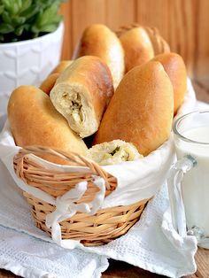 Пирожки с капустой из постного дрожжевого теста Cabbage-filled rolls, delish!