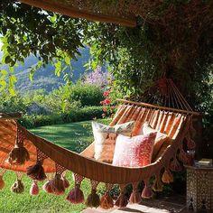 .Garden hammock