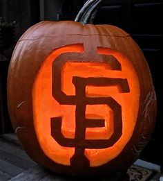 Now here's a pumpkin with spirit in every sense of the word! @sfgiants #OrangeOctober