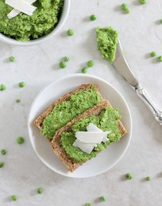 Minty Pea & Avocado Spread by runningtothekitchen  #Vegetable_Spread #Peas #Avocado #Mint