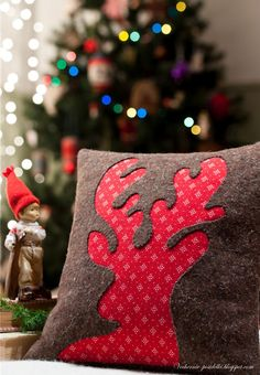 Reindeer pillow-would be easy to do with felt or fleece. also thinking a snowman w/ white under and light blue felt