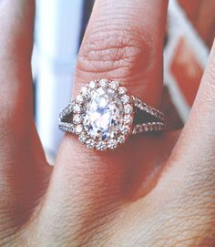 vintage engagement rings, dream ring, perfect first home, vintage weddings, oval wedding rings