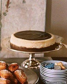 Cheesecakes // Vanilla Cheesecake with Chocolate Glaze Recipe
