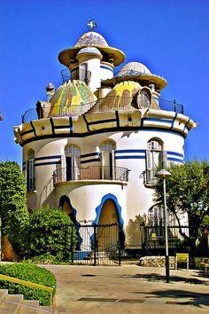 Josep Maria Jujol (1879-1949) - Torre de la Creu. Circa 1913-1916.  Sant Joan Despí, Baix Llobregat, Catalonia, Spain.