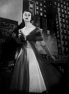 Madame Grès dress, Roger Scémama brooch. Photo: Philippe Pottier, 1953.