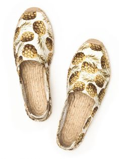 There is something about these pineapple soludos that makes me feel like I NEED them in my life!