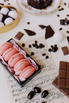 macarons and chocolate? yes, please!