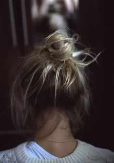 #pretty #beautiful #cute #gorgeous #trendy #hair #topknot #bun #messy #casual #chignon #blonde #highlights #hairstyle #inspiration #idea #beauty
