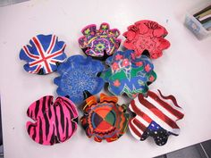 Record bowls - Students paint a design on their record with acrylic paints