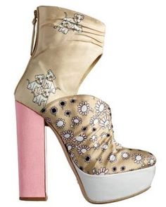 Printed duchesse satin boot Miu Miu Pretty floral   www.myLusciousLife.com Floral fancy: A look at floral related lusciousness