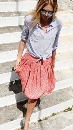 Super cute polka dot pleated skirt http://rstyle.me/n/jqq2dnyg6