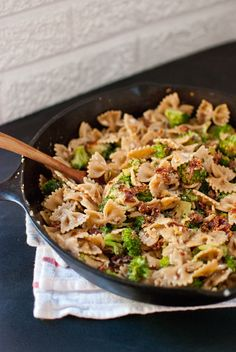 Spicy sun-dried tomato and broccoli pasta from cookieandkate.com