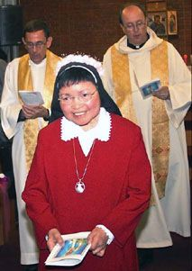 Sr. Mary Helena Uriarte Aquino joins the Redemptoristines as their first Filipino sister