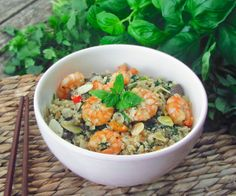 Asian-style cauli-rice with prawns, toasted almonds and fresh herbs.  #21dsd #paleo #keto #grainfree