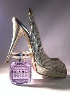 Confident and camera-ready, FLASH, the NEW fragrance from Jimmy Choo, captures the glamour of dressing up.