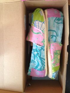 Lilly Pulitzer Toms
