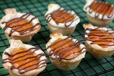 Mini pumpkin pies!!! pie crusts, bite size, pumpkins, mini pies, cookie cutters, thanksgiving desserts, whipped cream, pumpkin pies, treat