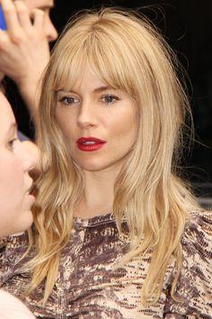 red lip, sienna miller, red carpets, blond, girl hairstyles, hair bangs, braid hair, fall hair, vogue covers
