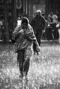India: Rainy day and no umbrella