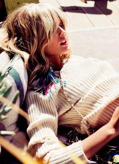 pink lipstick + ribbed knit #style #fashion