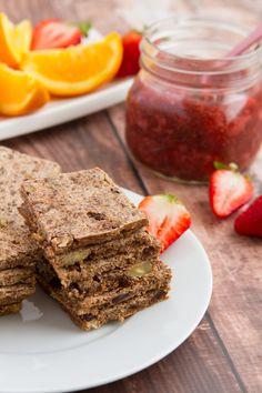 Almond Pulp Cinnamon Raisin Toast #glutenfree #healthybaking Healthful Pursuit | Healthful Pursuit