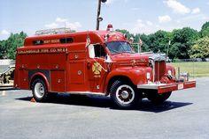 Mack B Series Heavy Rescue Squad.