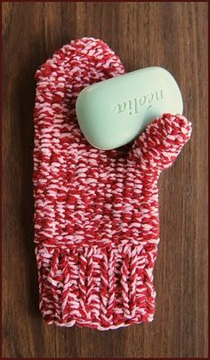 cotton chenille bath mitt, free crochet pattern...great stocking stuffer!