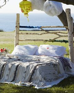 Take Your Bed Outside! project by: Nicole Valentine Don for JB Est 1979 @compai